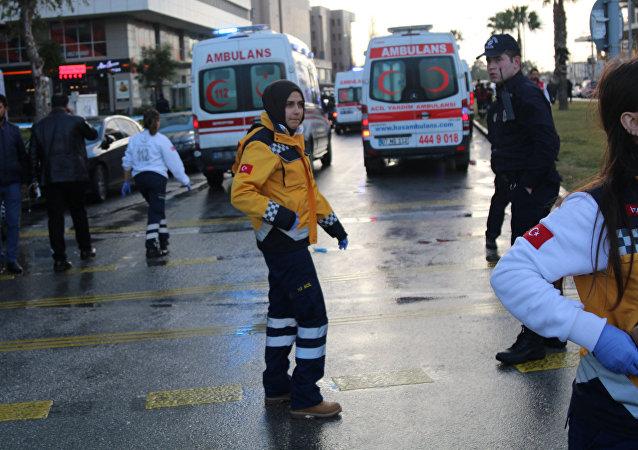 Explosion d'un véhicule piégé dans la ville turque d'Izmir