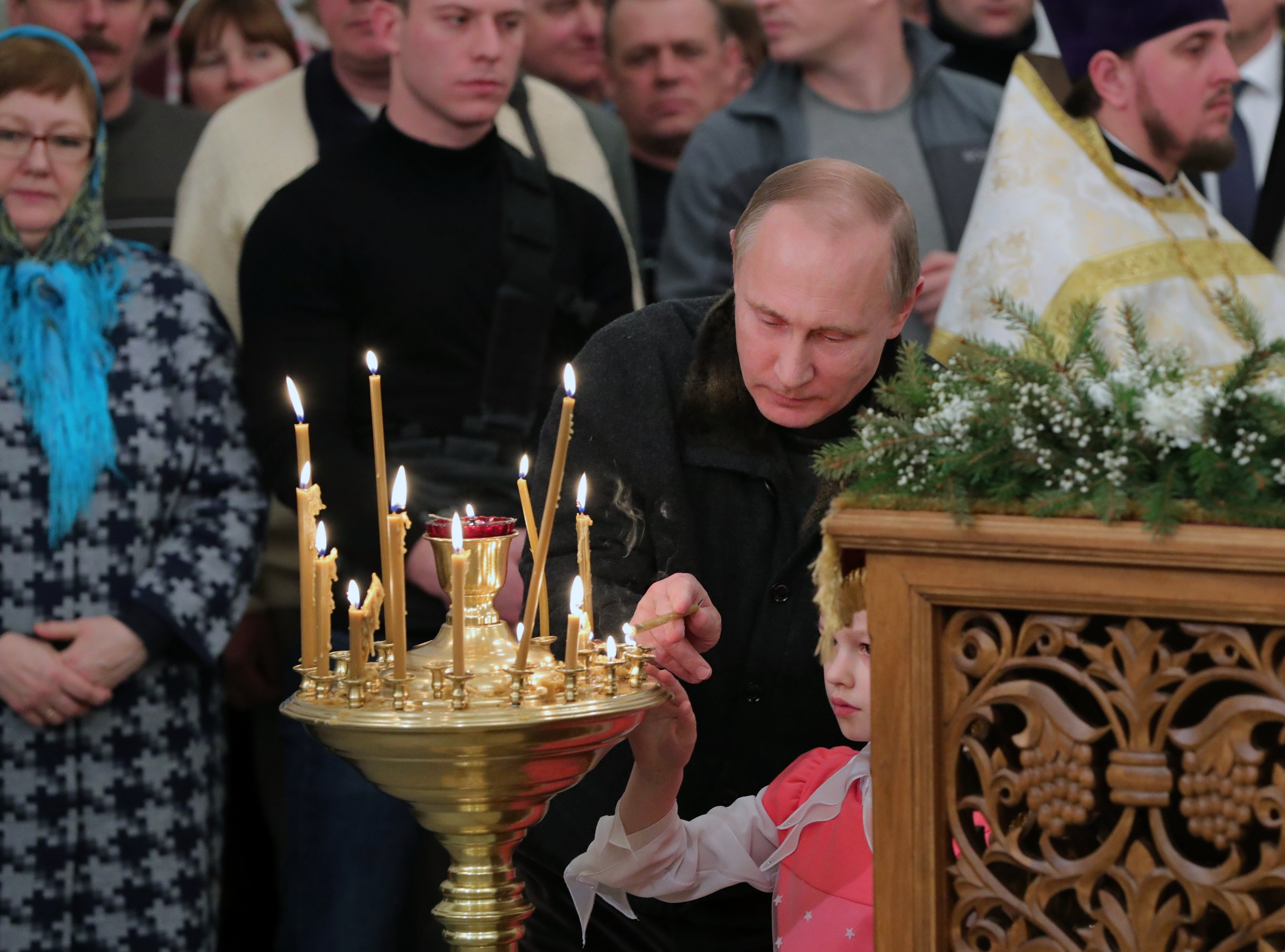 Vladimir Poutine lors de la messe dans le monastère Saint-Georges de Iouriev, 7 janvier 2017