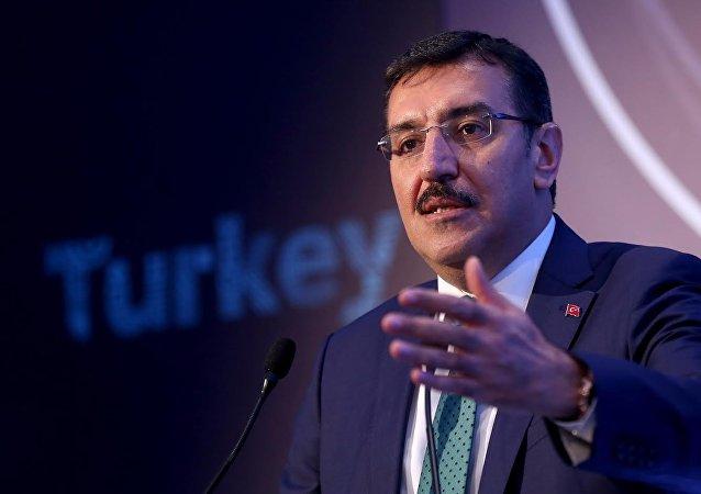 Le ministre turc des Douanes et du Commerce Bülent Tüfenkci