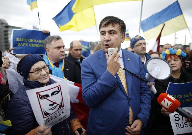Libéré par ses partisans, Saakachvili prend la tête d'une nouvelle manifestation (vidéo)