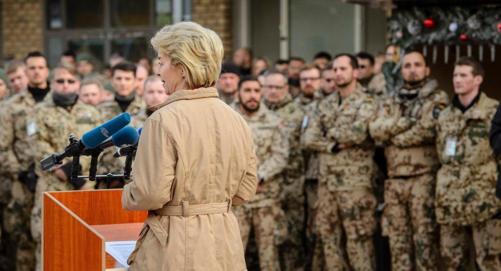 Ursula von der Leyen adresse un discours aux soldats allemands. Archive photo