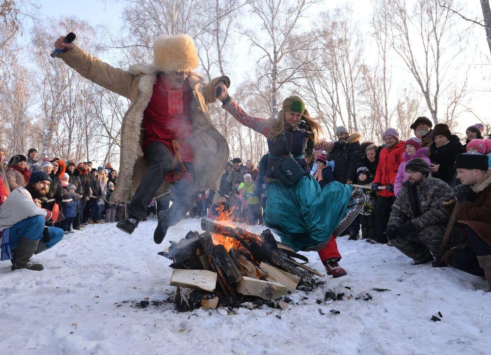 Le festival des jeux traditionnels Sviatki-2017 a eu lieu dans la région de Tchélabinsk