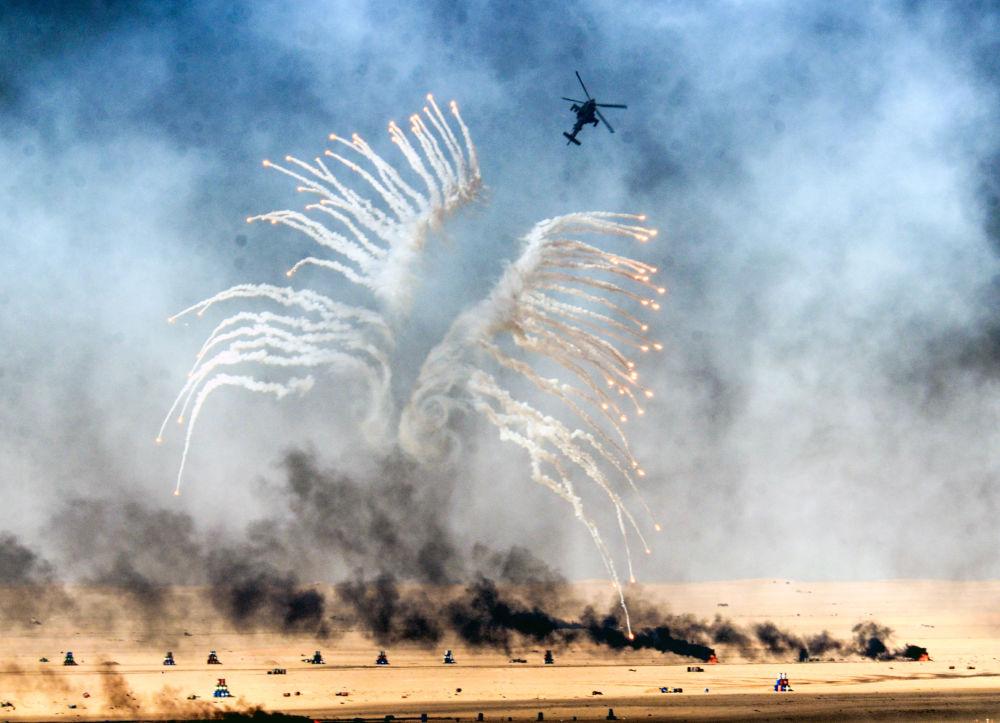 Des exercices militaires de l'armée du Koweït sur le polygone Udaira à 140 kilomètres de  la capitale du pays