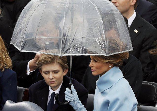 Melania et Barron Trump lors de la cérémonie d'investiture de Donald Trump