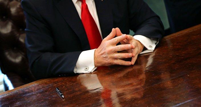 Donald Trump après avoir signé le décret sur l'immigration, le 30 janvier 2017
