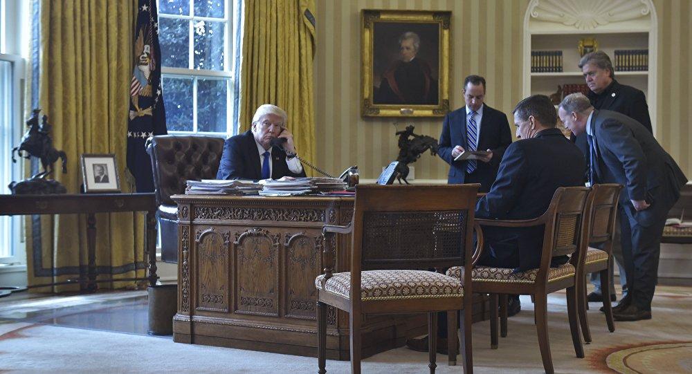 Donald Trump lors de l'entretien téléphonique avec Vladimir Poutine
