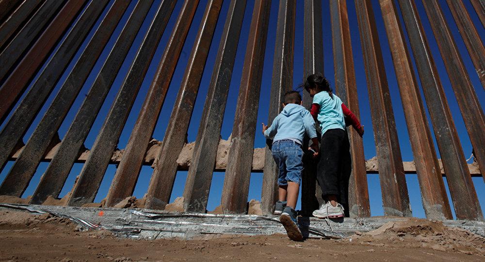 Cloture à la frontière entre les États-Unis et le Mexique