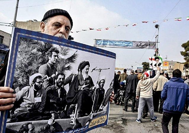 Les manifestations en Iran à l'occasion du 38e anniversaire de la Révolution islamique