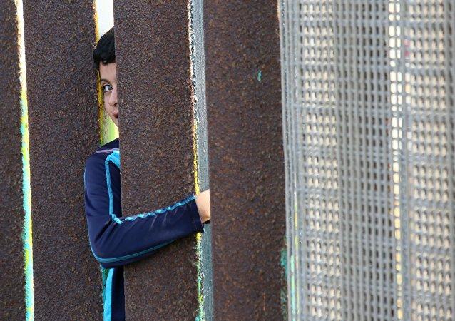 Mur à la frontière entre les États-Unis et le Mexique
