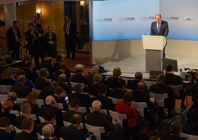 Le ministre russe des Affaires étrangères Sergueï Lavrov en marge de la Conférence de Munich sur la sécurité