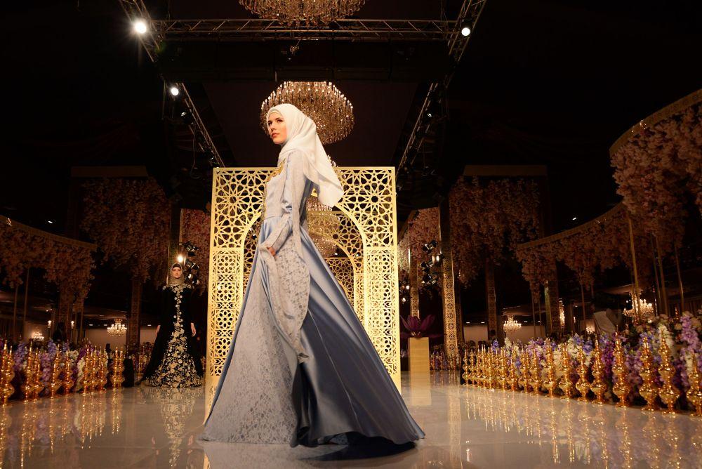 Aïshat Kadyrova, la fille du président tchétchène, présente sa première collection mode