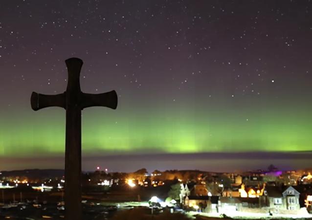 Une aurore boréale surprend le Royaume-Uni