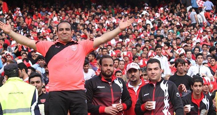 «Le football ne doit pas devenir un instrument de la politique», selon les fans iraniens