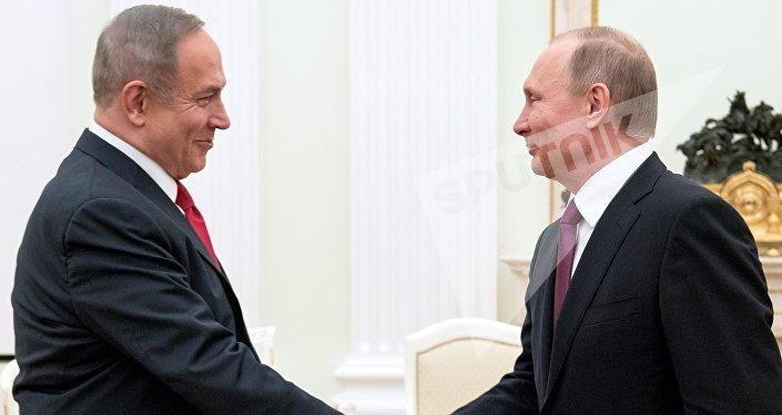 Le président russe Vladimir Poutine et le premier ministre d'Israël Benyamin Netanyahou