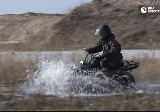 Une moto tout-terrain testée en Russie