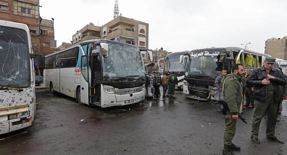 Les forces  de sécurité syriennes sur les lieux du double attentat à Damas