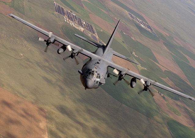 Un vol d'entrainement d'un AC-130 sur la base militaire de Cannon