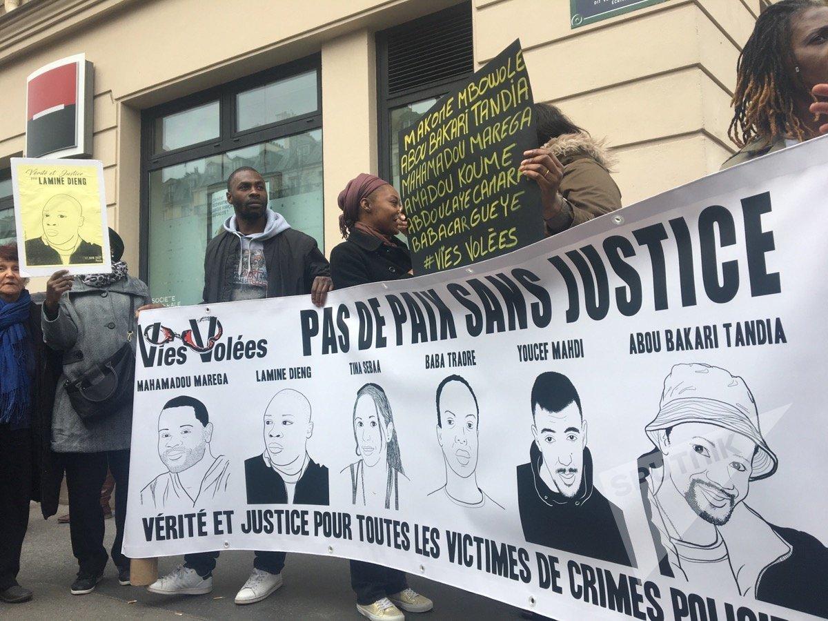Marche contre les violences policières à Paris entre Nation et République