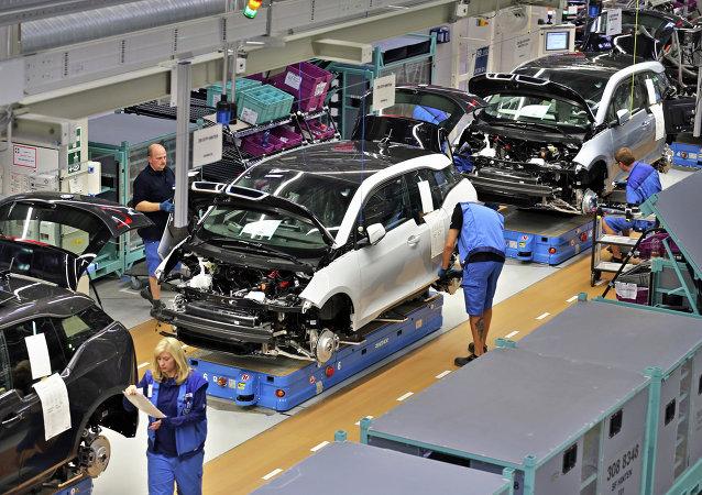 Une usine BMW en Allemagne perd 1 M EUR à cause de deux ouvriers ivres