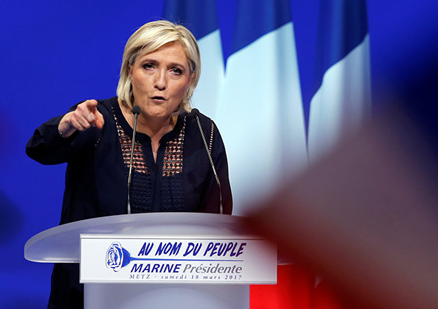 Marine Le Pen prédit «la mort de l'UE»