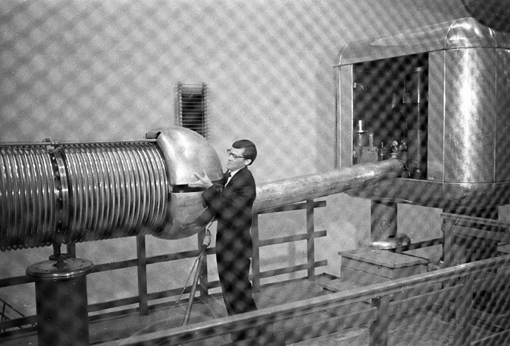 À l'Institut de physique des hautes énergies de Protvino, on prépare un générateur d'impulsions au travail
