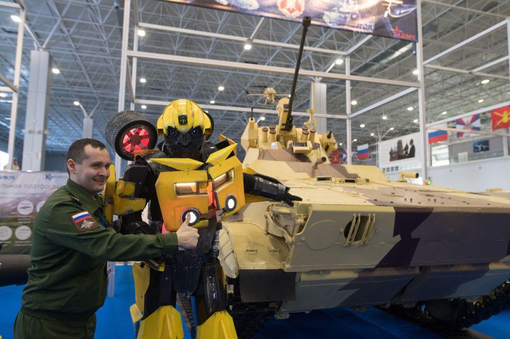 Les robots de guerre du salon de Koubinka, dans la région de Moscou