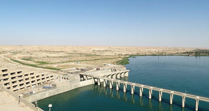 barrage sur l'Euphrate