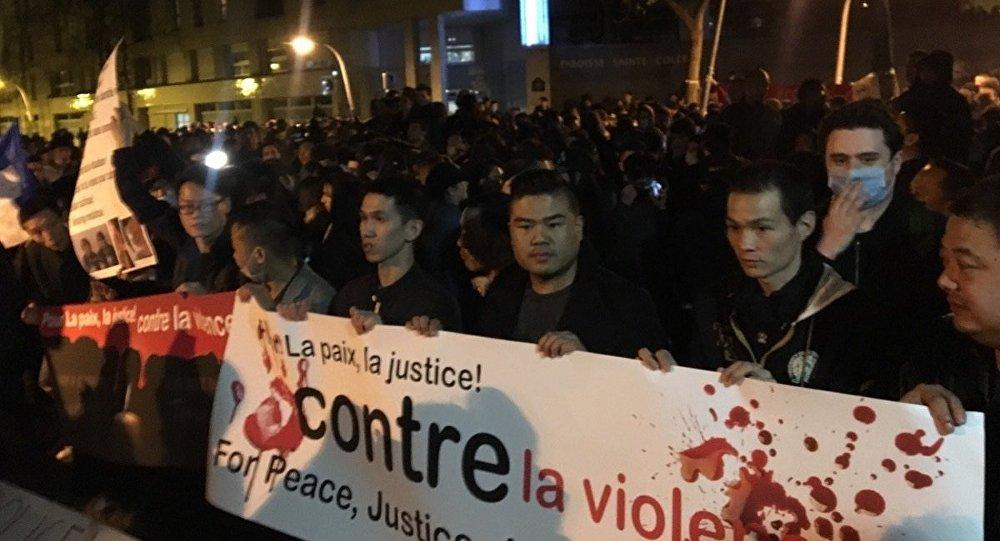 Manifestation de Chinois à Paris