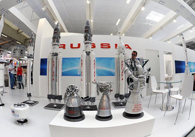 Подготовка к открытию международной выставки Paris Air Show Le Bourget 2015