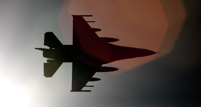 Les USA testent pour la 1ère fois une bombe nucléaire sur un F-16
