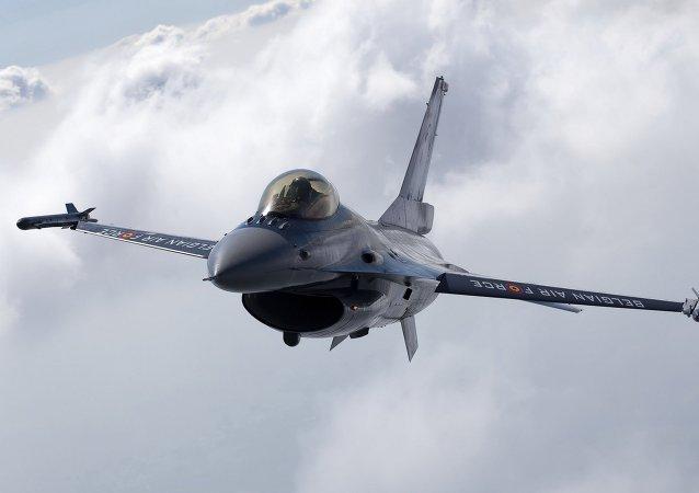 Un F-16 belge
