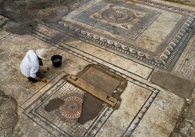 Fouilles spectaculaires dans le Gard: l'antique ville romaine d'Ucetia refait surface