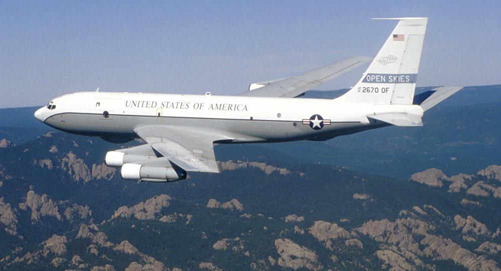 Un avion-espion US se serait approché pour la 1ère fois de la frontière nord de la Crimée
