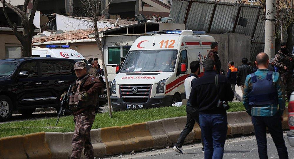 Une puissante explosion frappe la province turque de Diyarbakir, des blessés