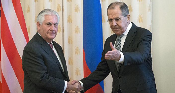 Rex Tillerson et Lavrov