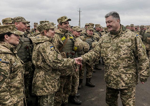 Avant Pâques, Porochenko appelle à la paix et… à se mobiliser pour le retour du Donbass