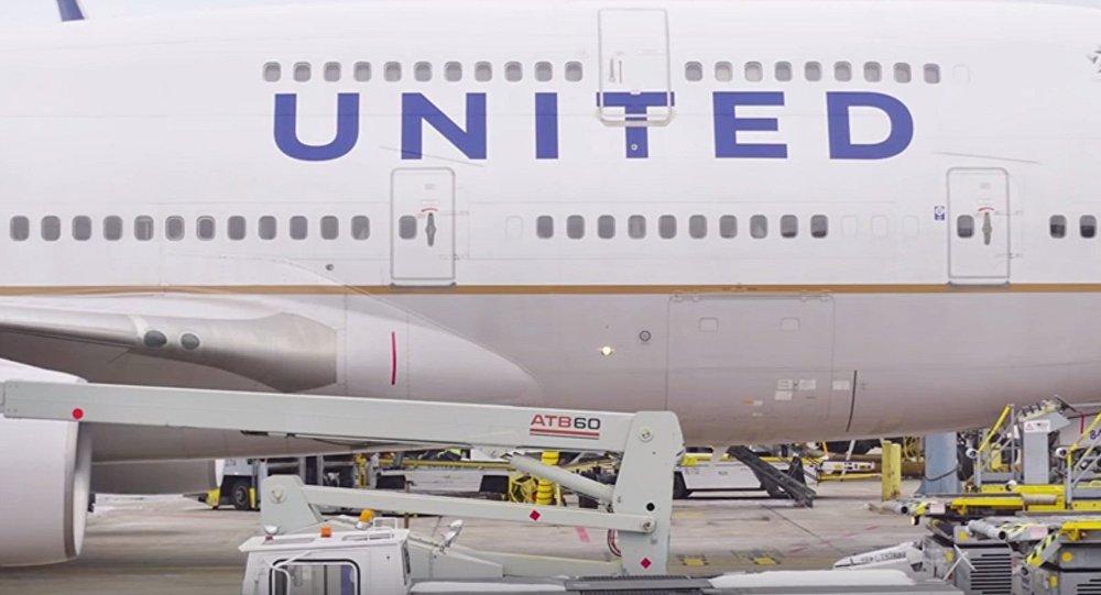 L'homme débarqué de force d'un avion US demande au tribunal de préserver les preuves