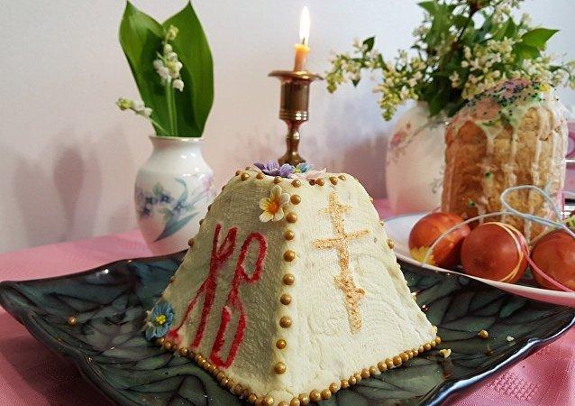 Koulitch, gâteau traditionnel de Pâques en Russie
