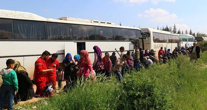 Évacuation des civils des villages chiites d'Al-Foua et Kefraya