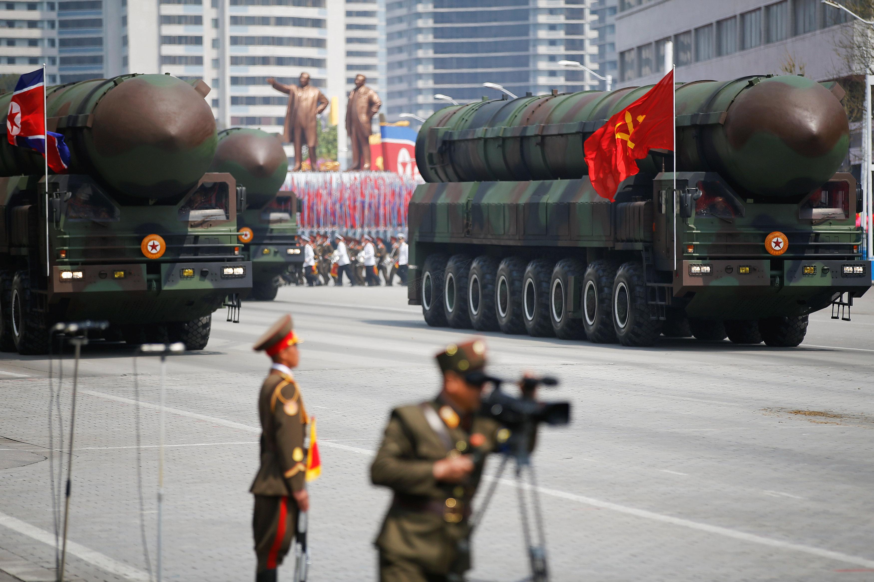 Parade militaire en Corée du Nord, le 15 avril 2017