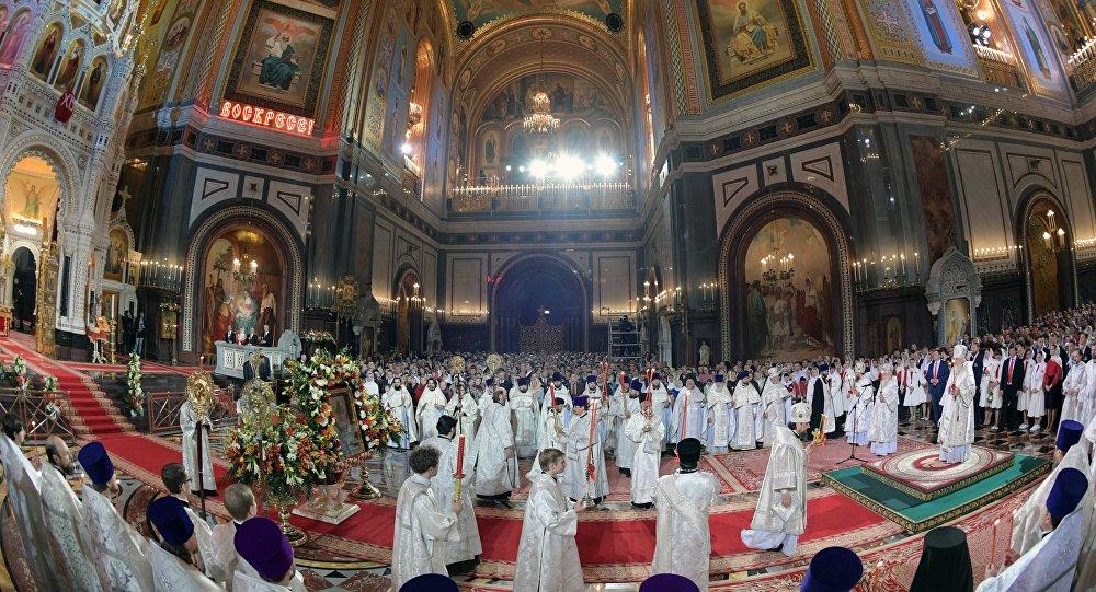 La messe de Pâques dans la cathédrale du Christ-Sauveur
