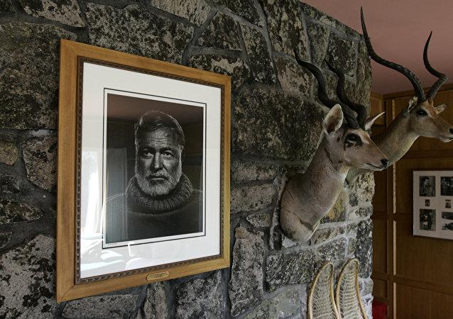 Un portrait d'Ernest Hemingway
