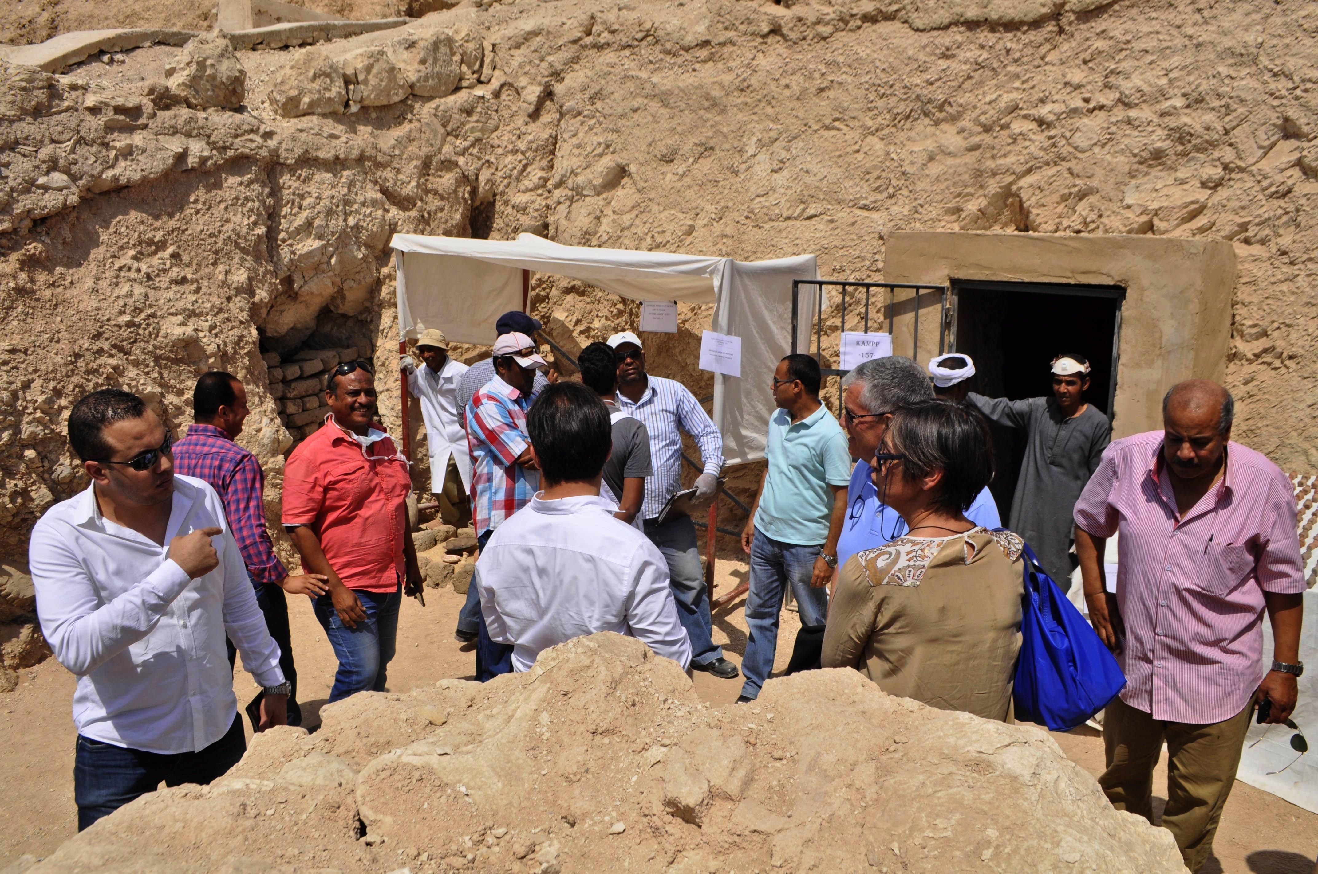 Nécropole de Zeraa Abu El-Nagaa