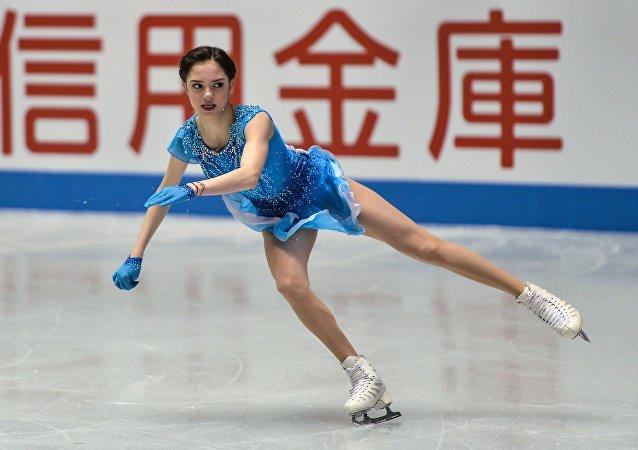 Evgenia Medvedeva lors du programme court aux Mondiaux de patinage artistique par équipes à Tokyo