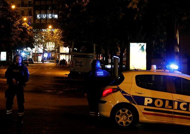 Le suspect abattu par la police après l'attaque de Paris