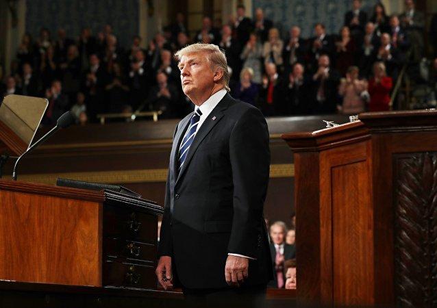 Donald Trump, 100 jours au pouvoir et déjà 134 procès