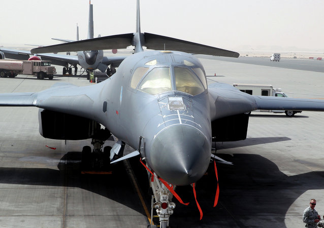 Le bombardier B-1 à la base aérienne Al-Udeid à Doha, au Qatar