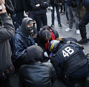 Un manifestant condamné à 4 mois de prison pour des échauffourées après le premier tour
