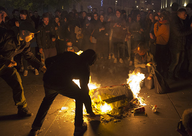 Une violente manifestation s'est déroulée place de la Bastille à Paris