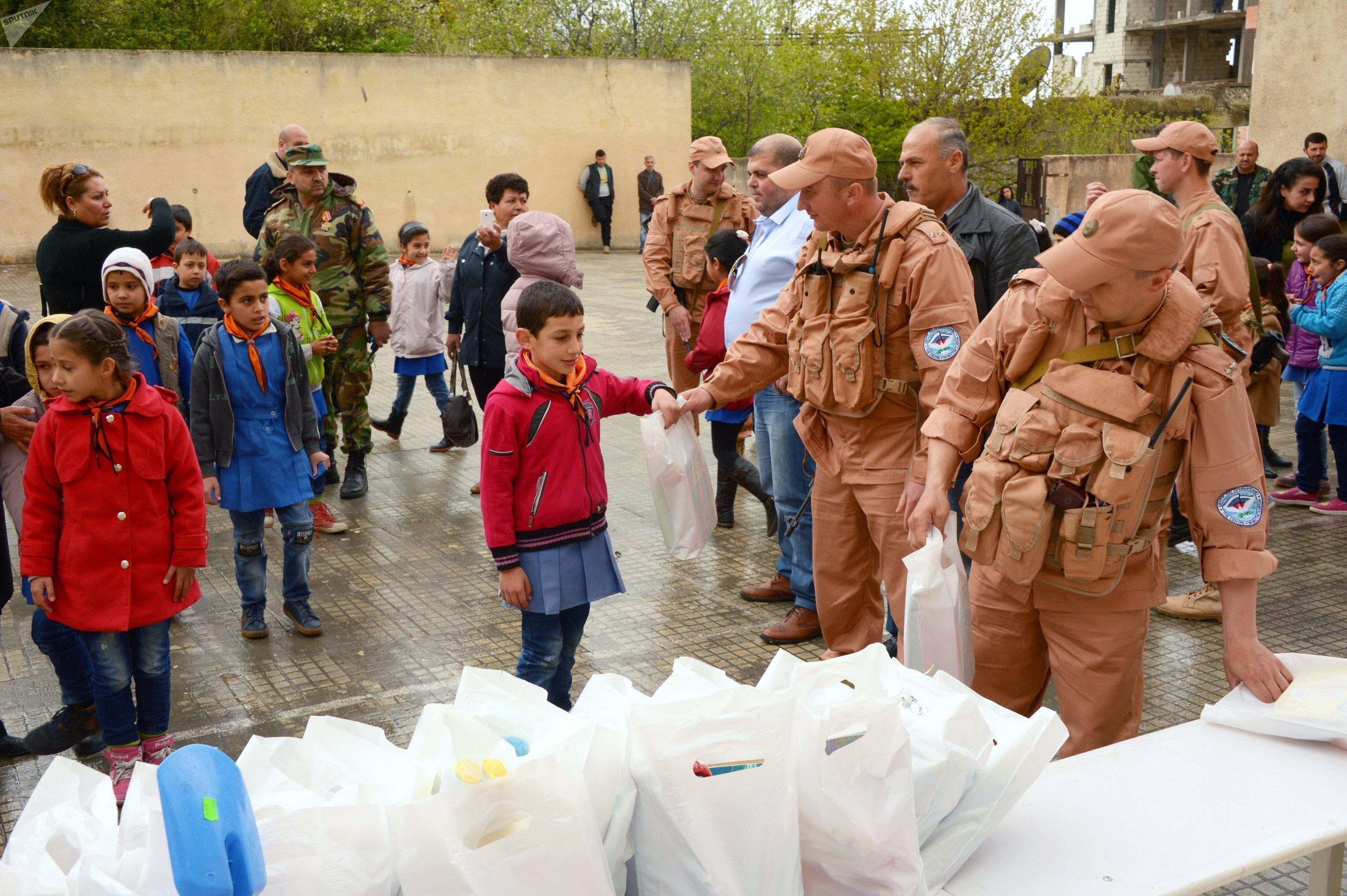 Syrie: 4 t d'aide humanitaire russe pour les habitants d'Alep et de Lattaquié